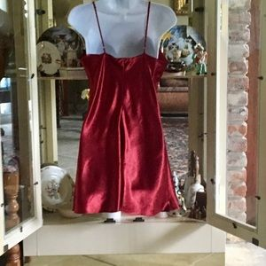 LINGERIE CACIQUE Intimates   Sleepwear - VINTAGE RED LINGERIE CACIQUE SHORT  NIGHTGOWN 726c827de